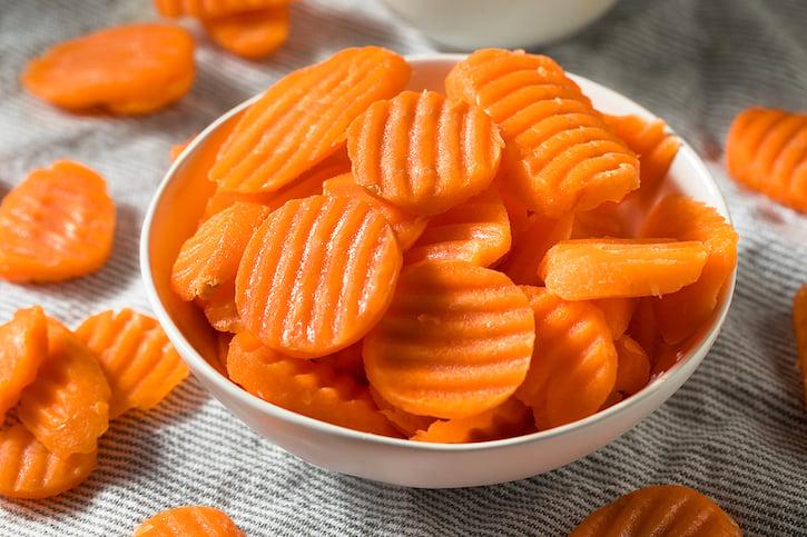 Wavy-cut carrots
