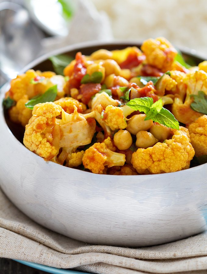 Vegan cauliflower curry with chickpeas and vegetables