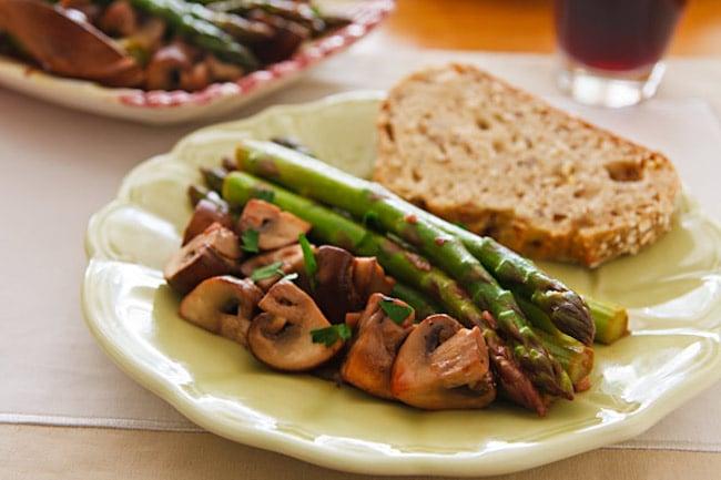 Ajillo Mushrooms and Asparagus2