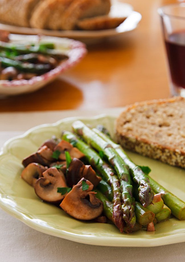 Ajillo Mushrooms and Asparagus3
