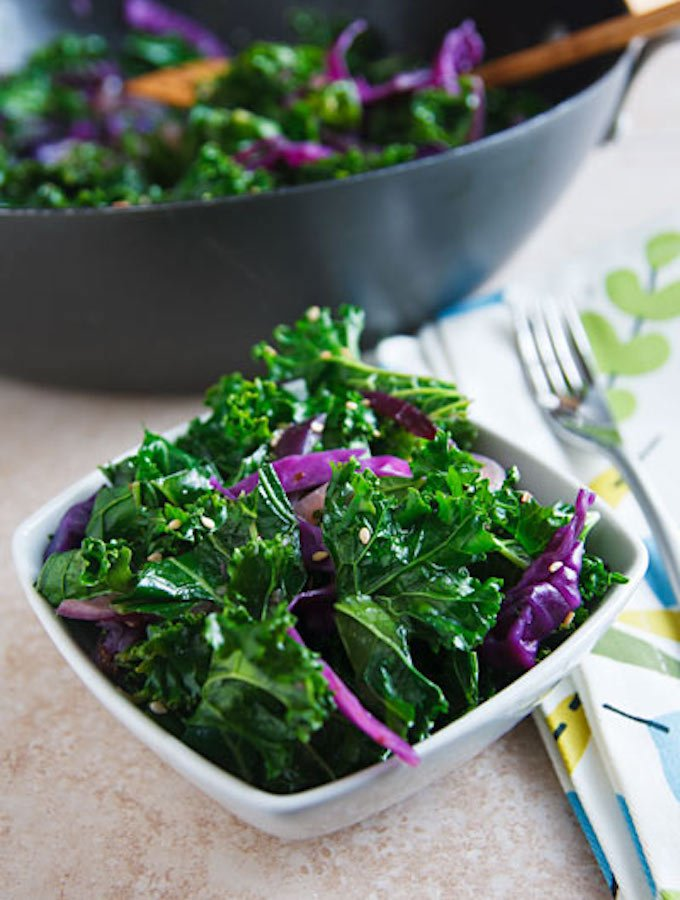 Sesame stir-fried kale and red cabbage