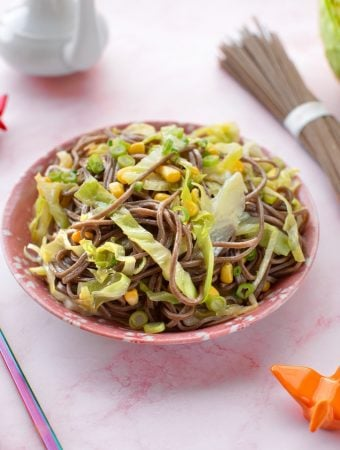 Stir-fried soba with cabbage and corn