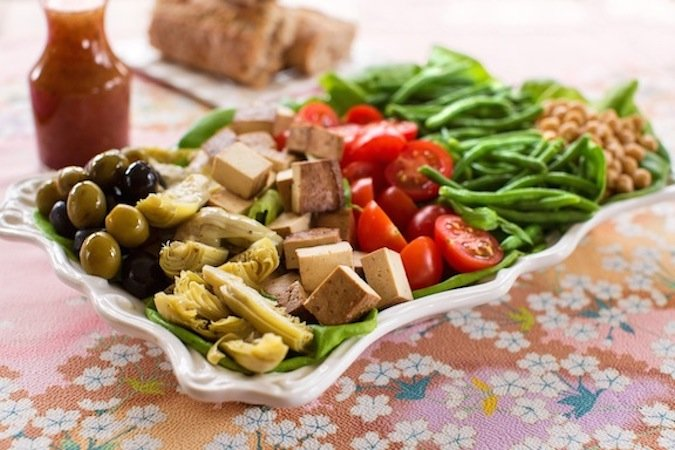 Vegan Niçoise salad with baked tofu