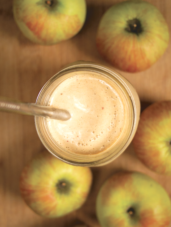 Apple and Peanut butter smoothie