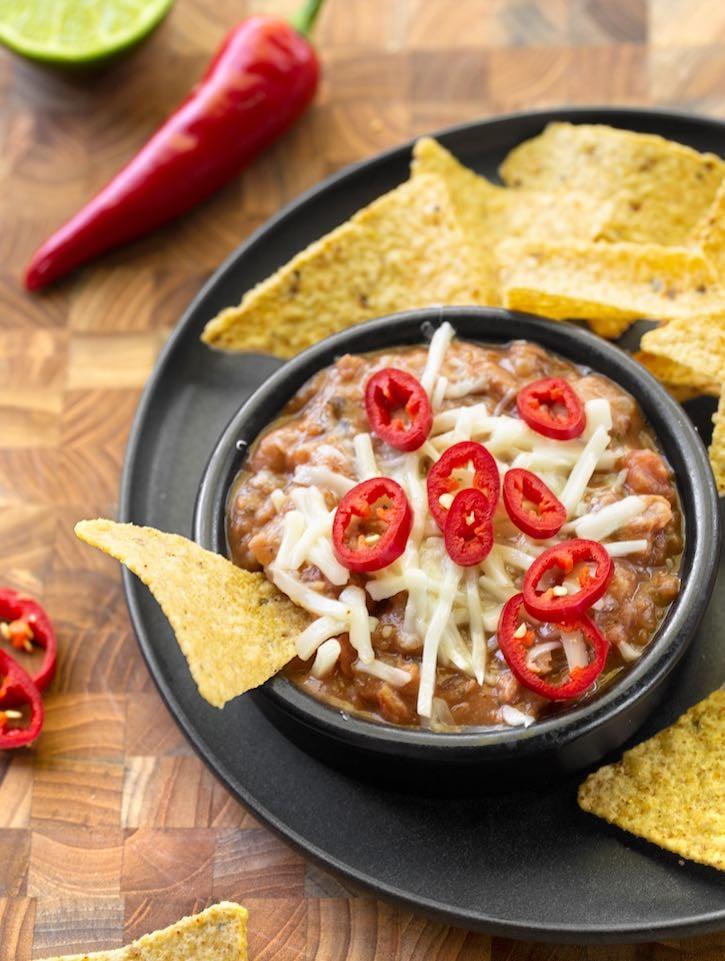 Super-easy vegan hot bean dip