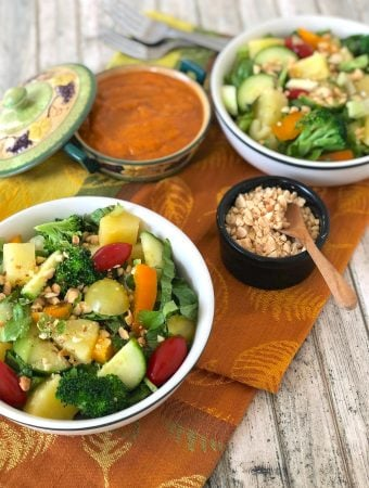Thai tossed salad with pineapple and peanut sauce