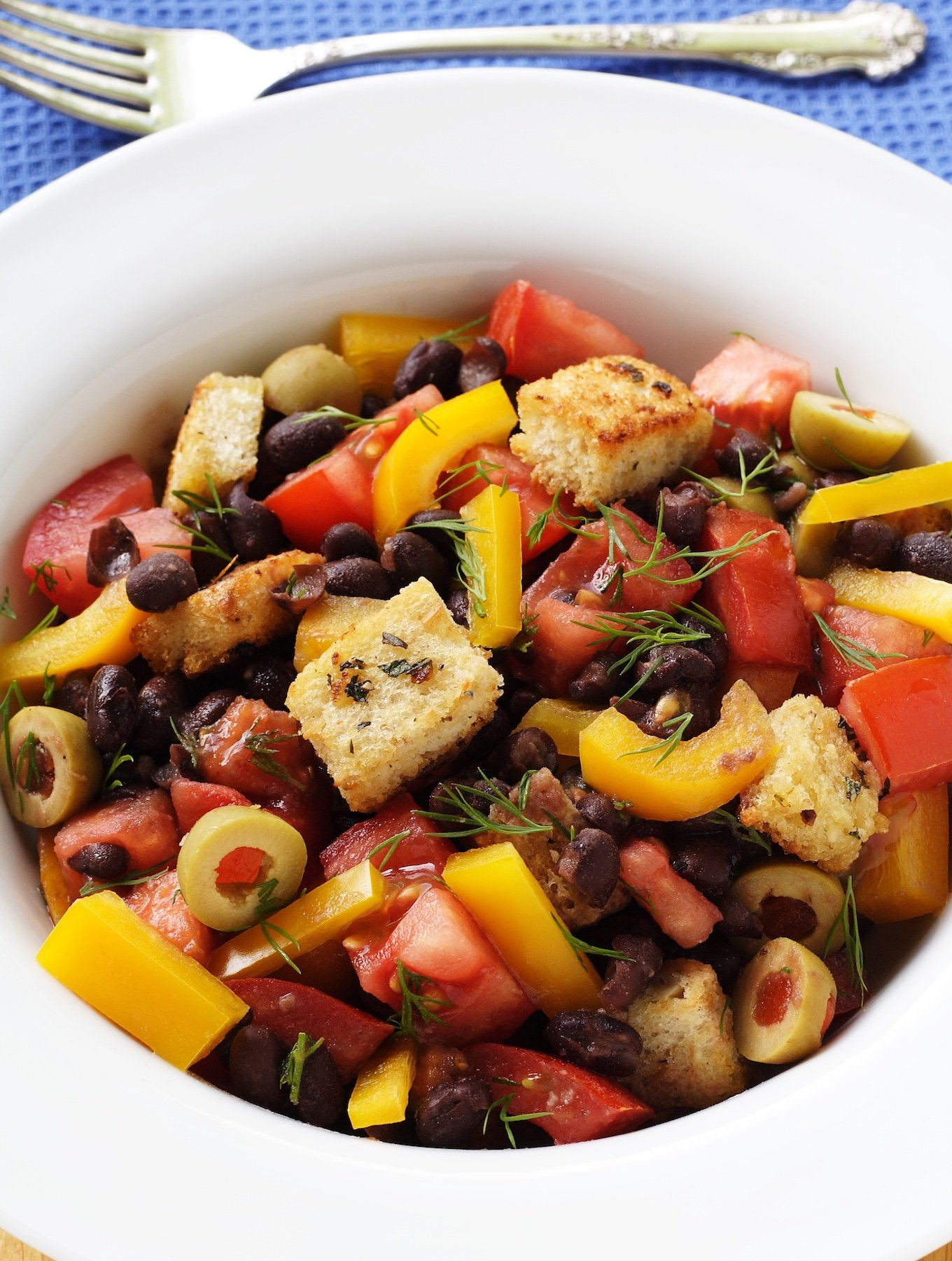 Black Bean Salad with tomatoes and croutons
