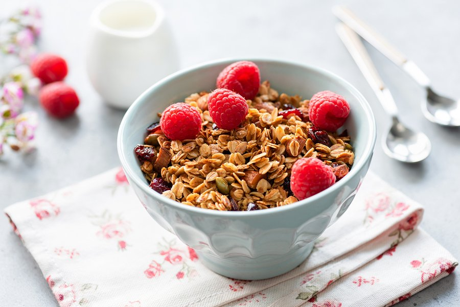 Granola With Fresh Raspberries