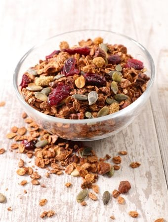 Homemade crunchy granola recipe