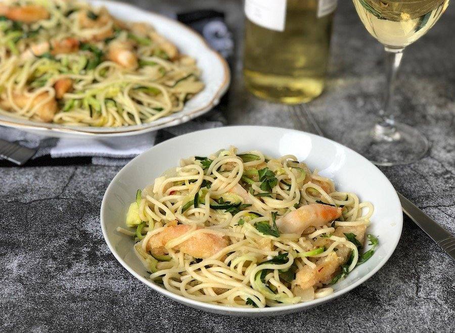 Vegan shrimp scampi with zucchini