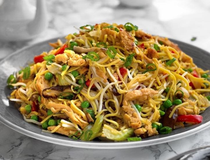 Plant-based Chick'n & Vegetable Chow Mein2