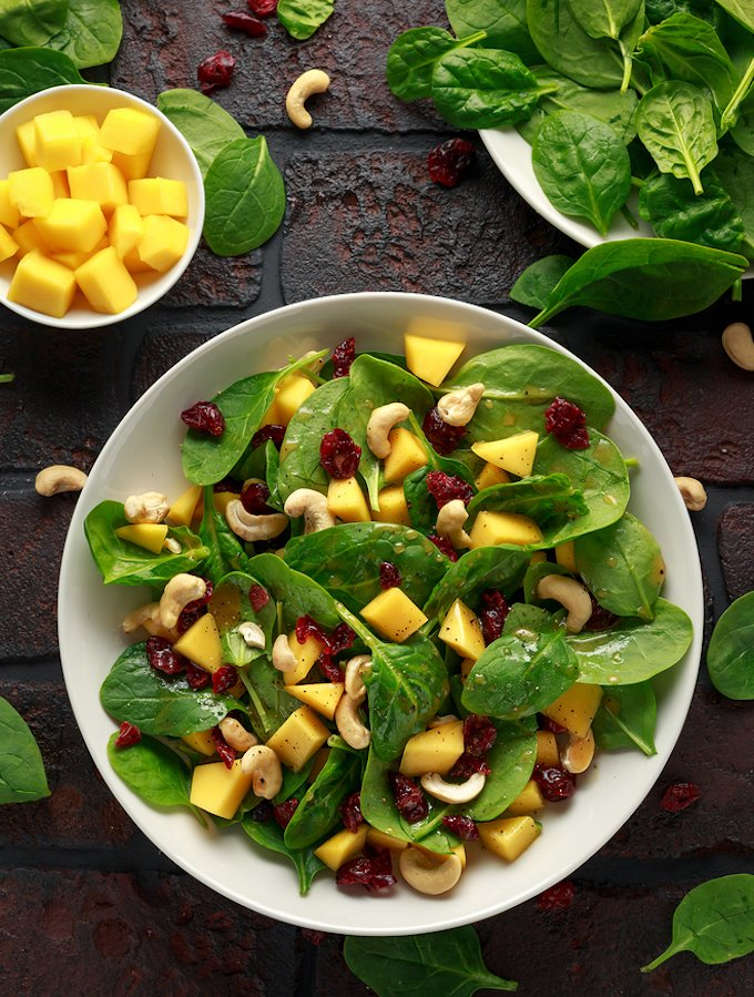 Spinach And Mango Salad With Cranberries And Cashews