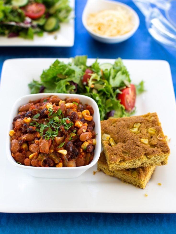 Classic Vegetable Chili and cornbread1