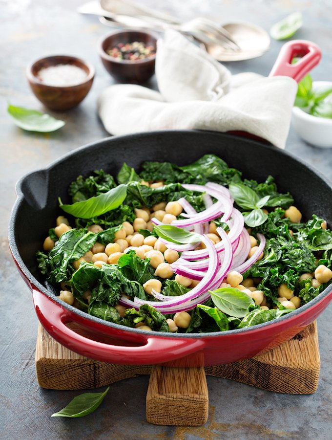 Garlicky Sauteed Kale with Chickpeas and onions