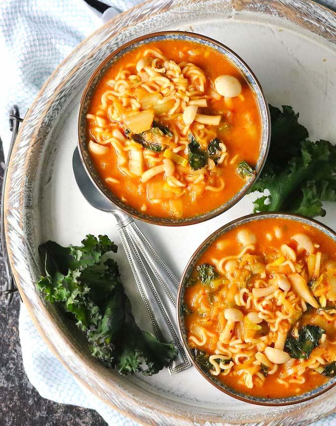 vegan kimchee ramen noodle soup