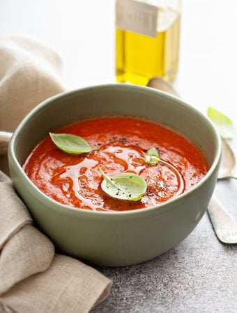 Hot or cold fresh tomato soup