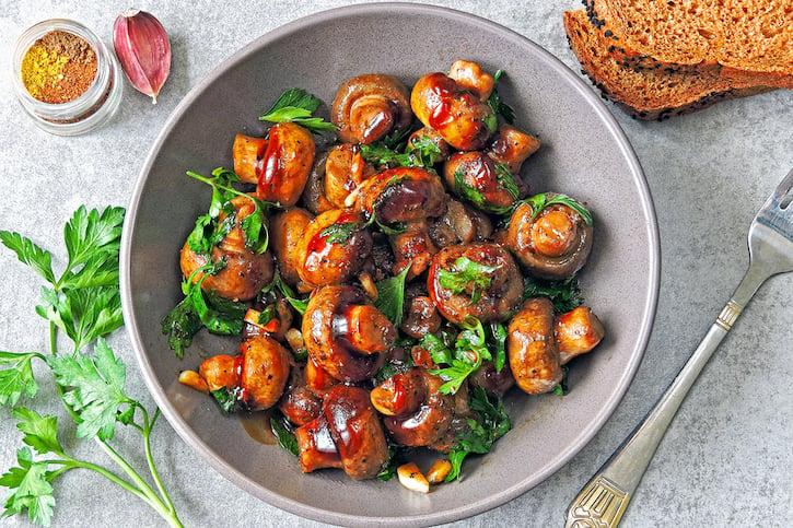 Teriyaki Mushrooms with parsley and sriracha