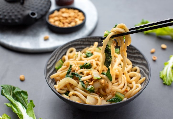 Warm or cold udon noodles with bok choy