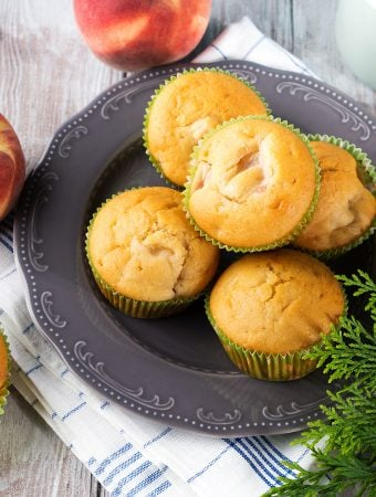 Vegan peach muffins