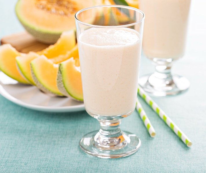 Vegan cantaloupe creamsicle smoothie