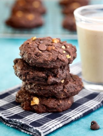 Vegan chocolate oatmeal cookies recipe