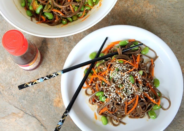 cold soba noodle salad with edamame