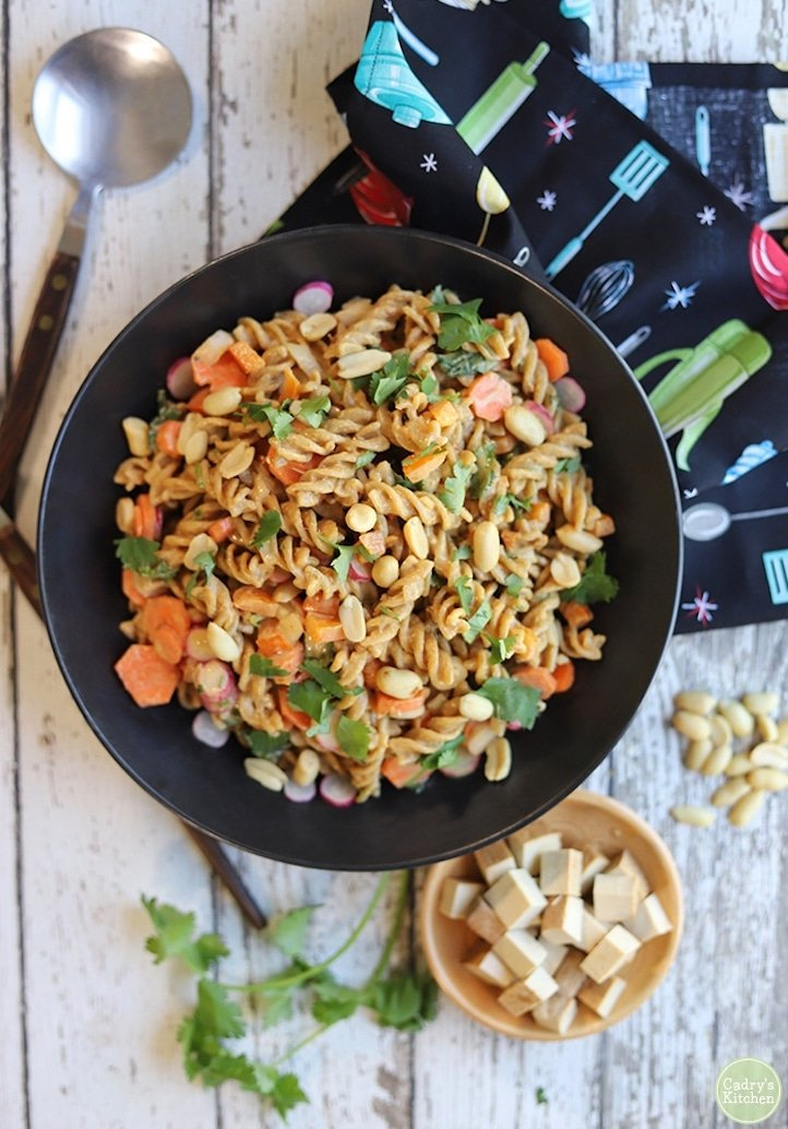 vegan cold peanut noodles with tofu