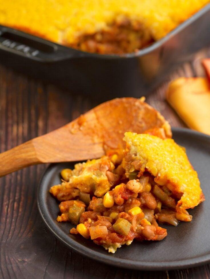 Chili bean casserole with cornmeal crust