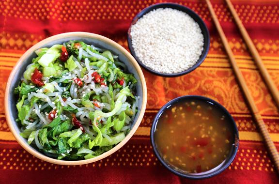 Cold Shirataki with romaine lettuce