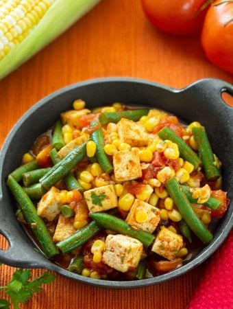 Tofu with corn, green beans, and tomatoes1