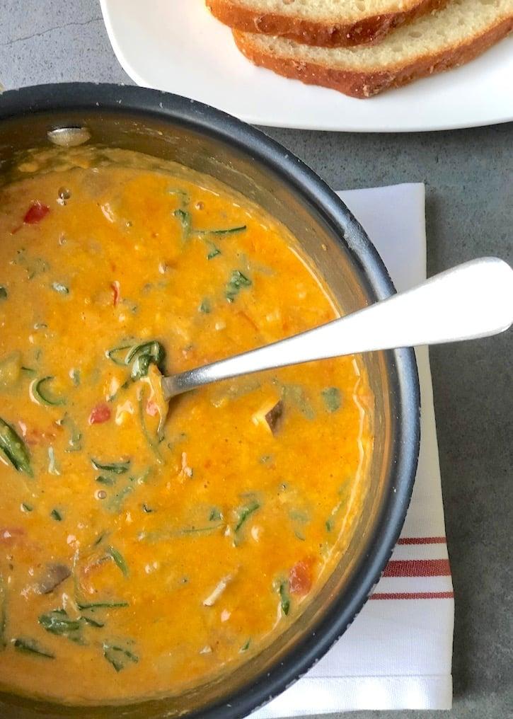 Vegan Rarebit - veggie cheese sauce