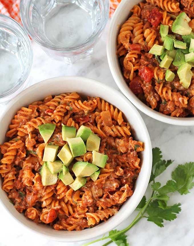 Vegan one-pot cheesy taco pasta