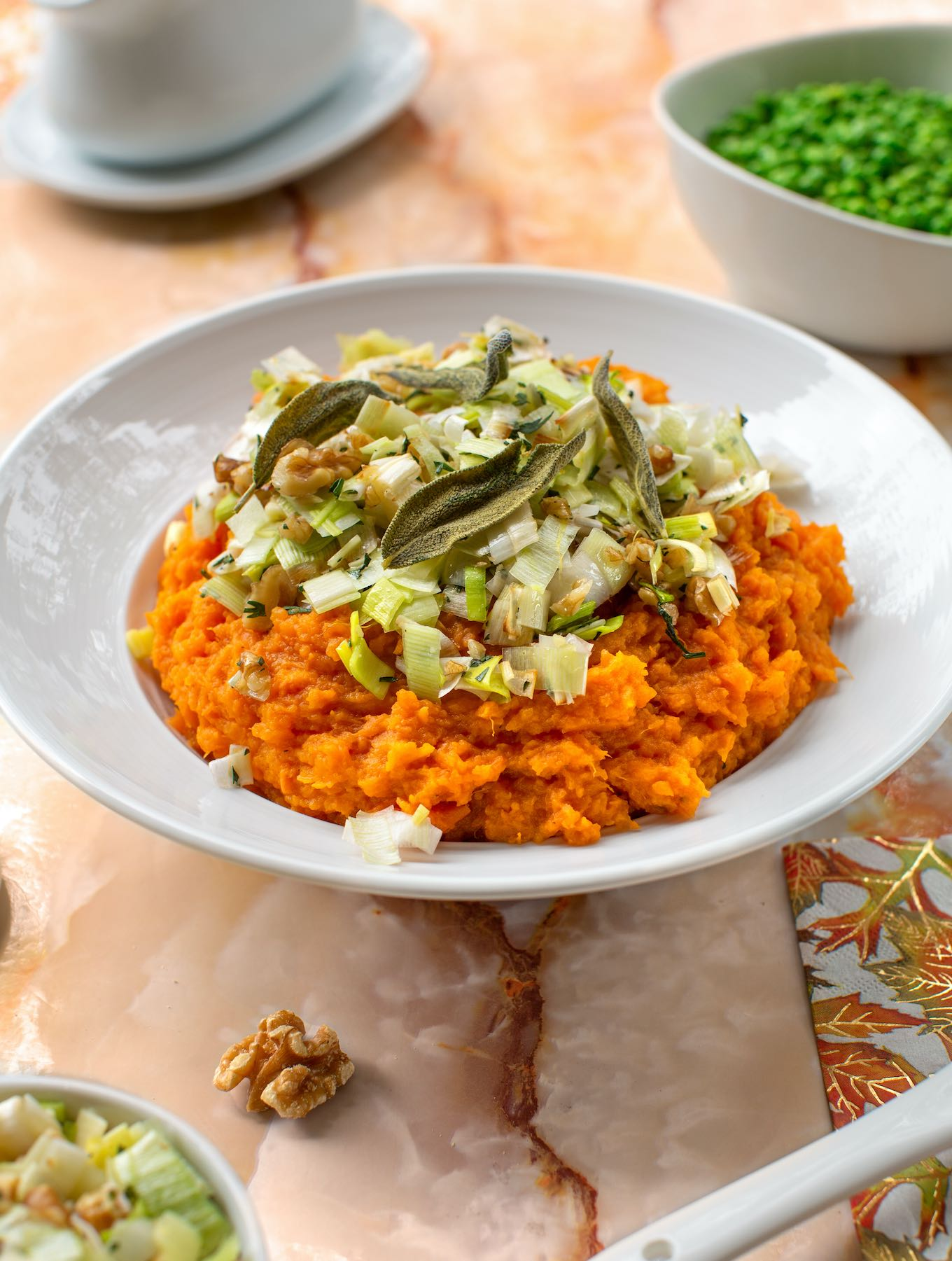 Mashed sweet potatoes with leeks & walnuts