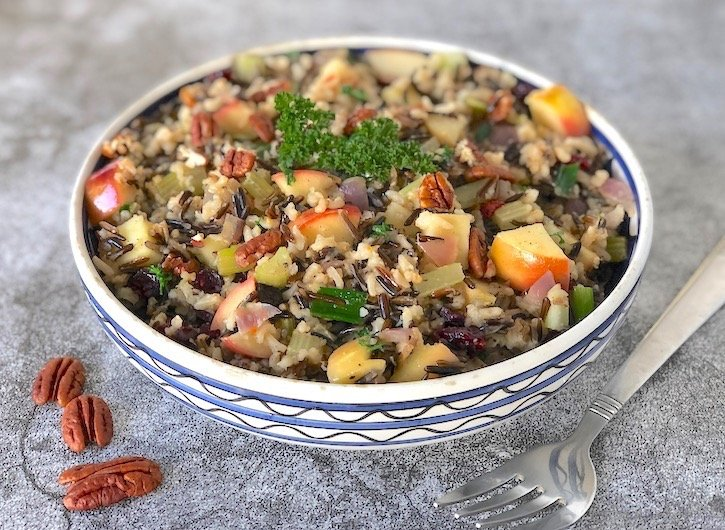 Wild and brown rice pilaf with pecans and apples