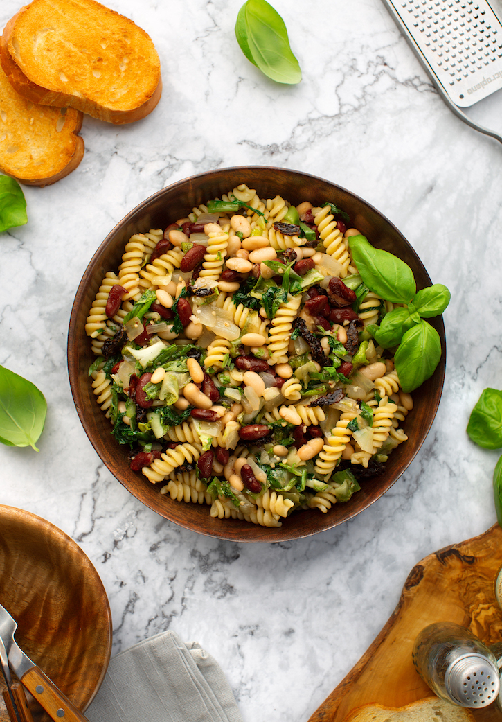 Pasta with escarole and two beans