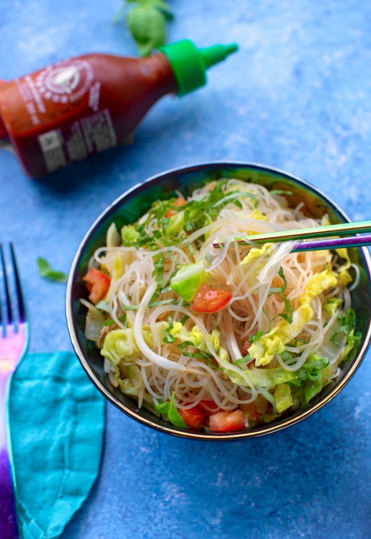 Vietnamese bean-thread noodles with tomatoes and basil vegan