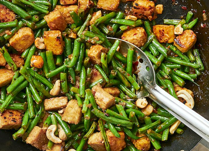 Spicy Green Bean Stir-fry with Tempeh and cashews