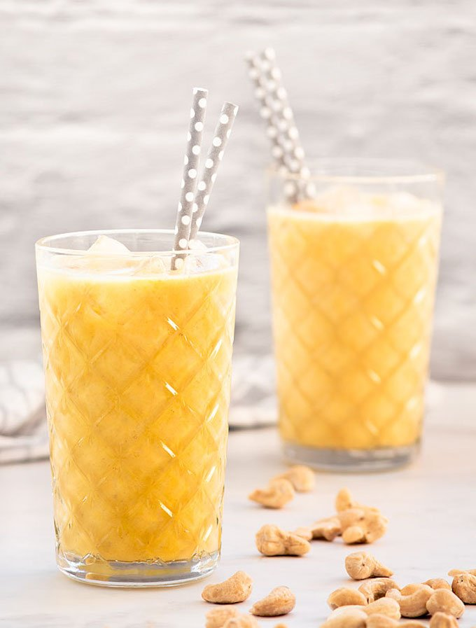 banana smoothie with cashew butter and turmeric
