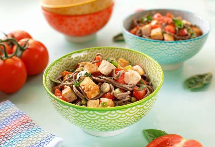 Soba with tofu and tomatoes