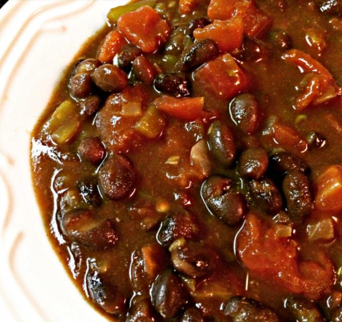 Chipotle spiced black bean chili