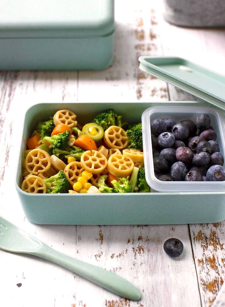Lunch box pasta salad - vegan and family friendly