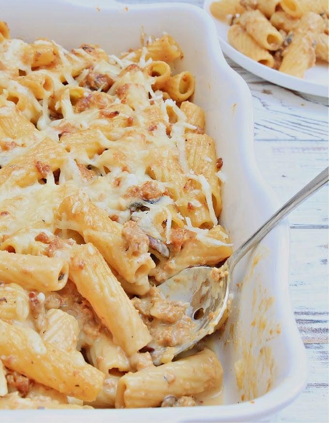 Vegan sausage & mushroom pasta bake